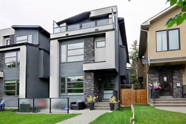 2036 47 Avenue SW, Calgary