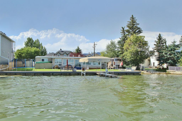 828 West  Chestermere Drive, Chestermere