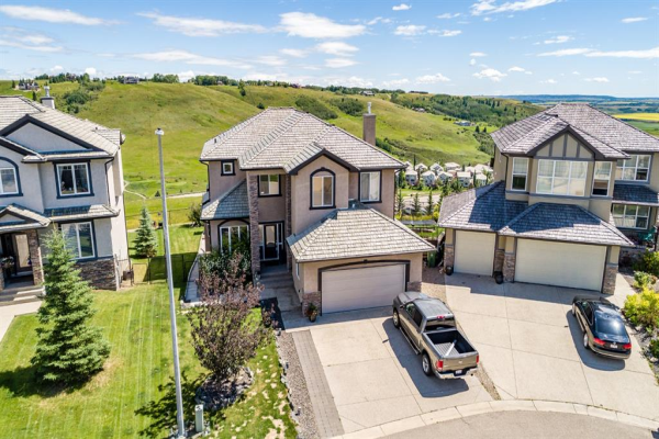204 Gleneagles Estates  Lane, Cochrane