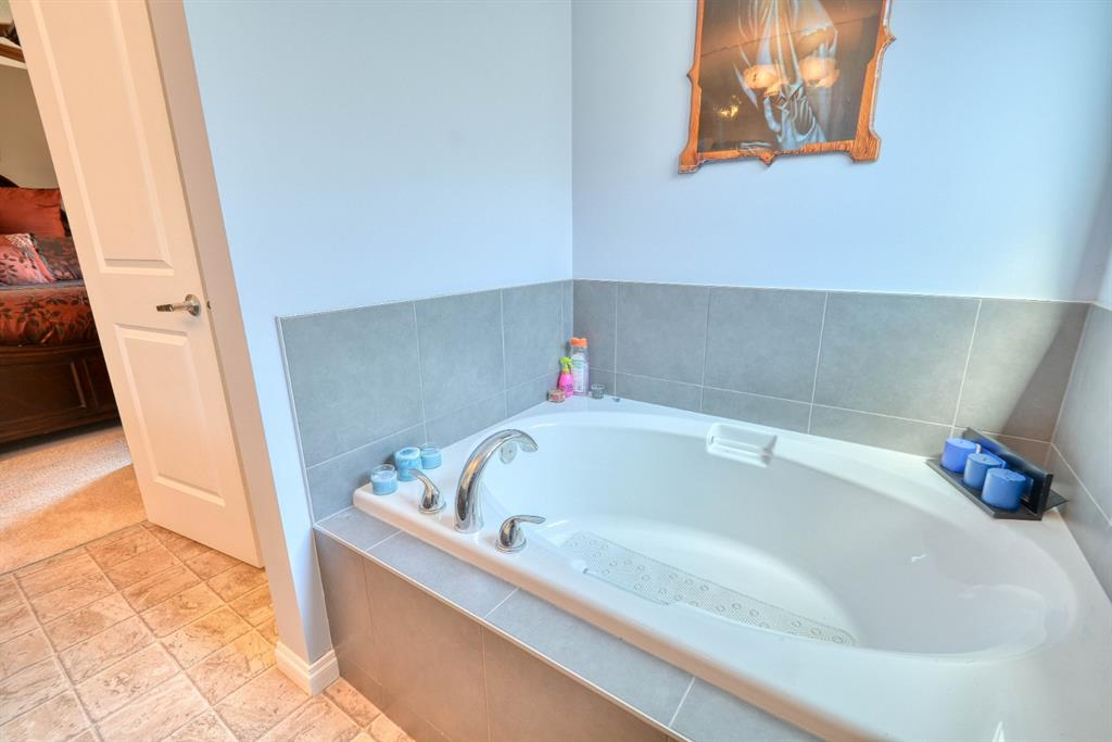 Listing A1017056 - Large Photo # 32