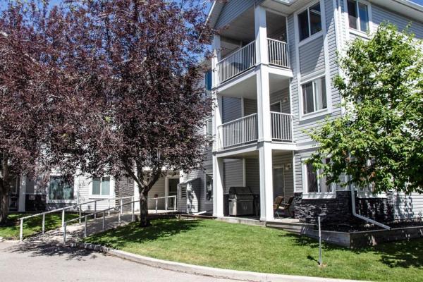 3301 VALLEYVIEW Park SE, Calgary