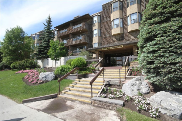 3719B 49 Street NW, Calgary