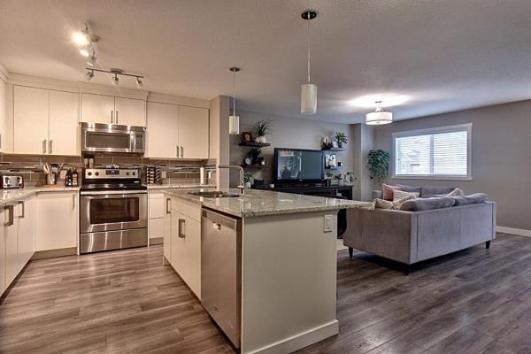 803 EVANSTON Manor, Calgary