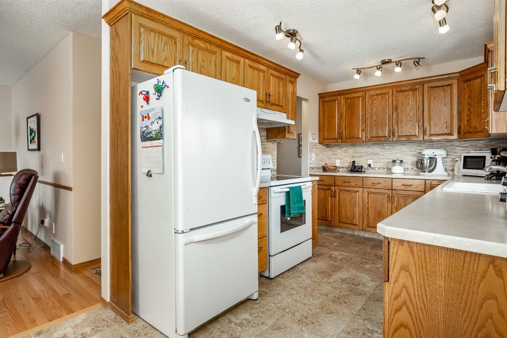 Listing A1019088 - Large Photo # 13
