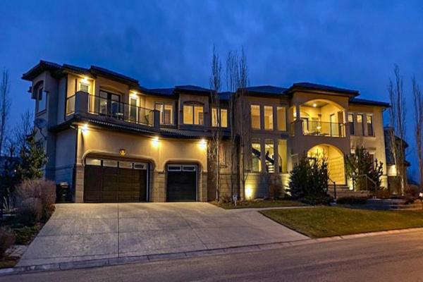 9 HAMPTONS View NW, Calgary