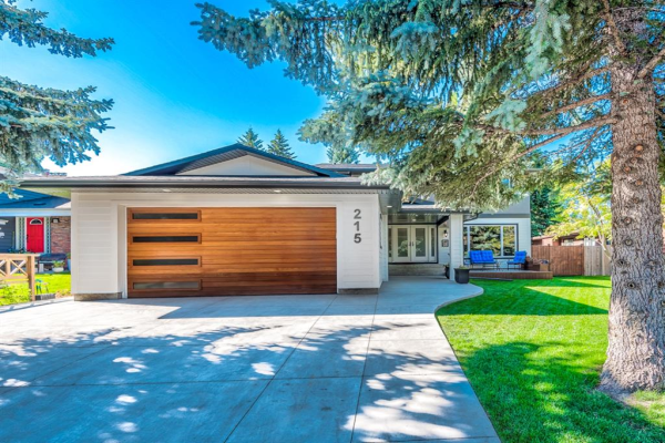 215 Pump Hill Crescent, Calgary