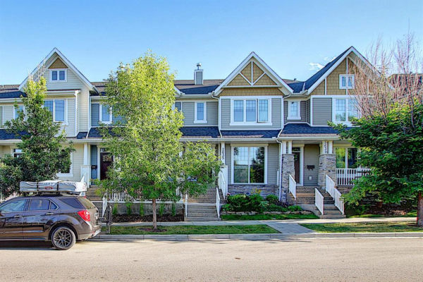 2631 DALLAIRE Avenue SW, Calgary