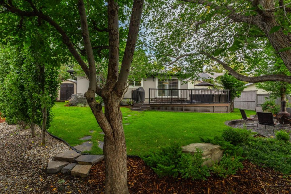 139 Midvalley Place SE, Calgary