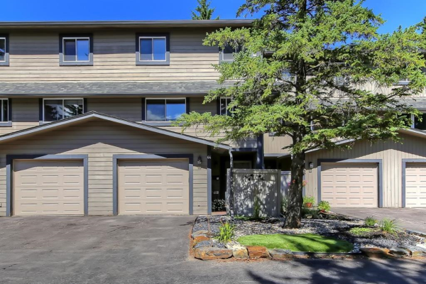 27 SILVER SPRINGS Drive NW, Calgary