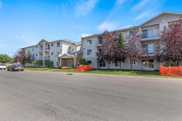 5555 FALSBRIDGE Drive NE, Calgary