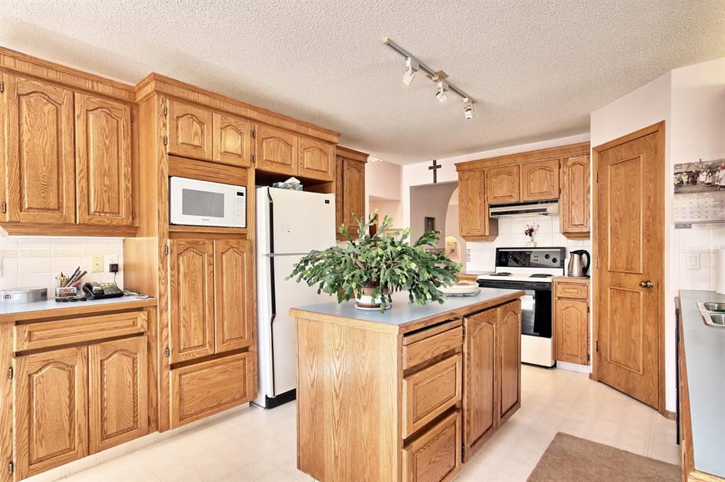 Listing A1025495 - Large Photo # 12