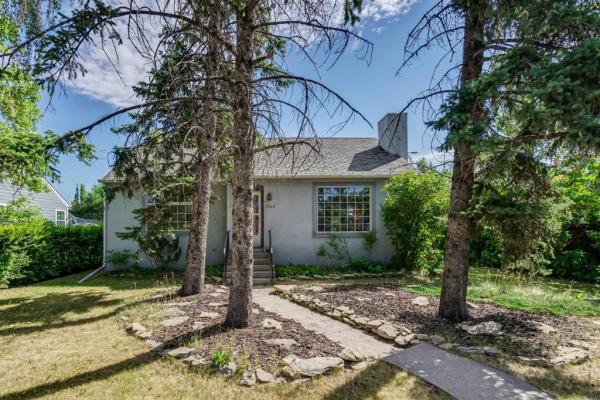 1742 24 Street SW, Calgary