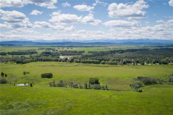 104 GRANDVIEW Way, Rural Rocky View County