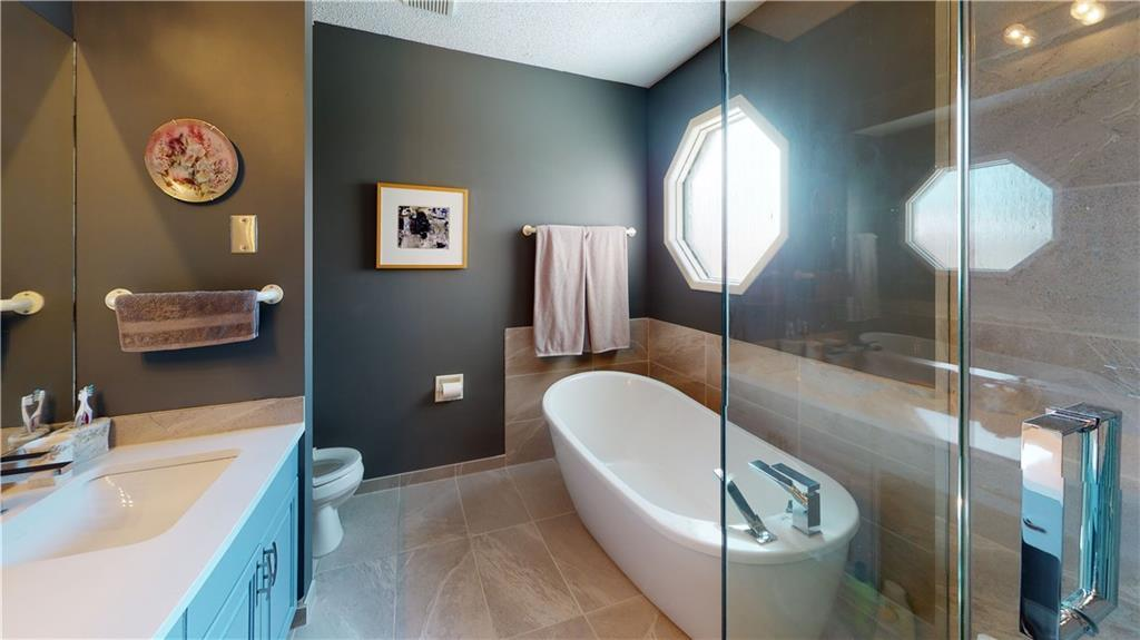 Listing A1026505 - Large Photo # 15