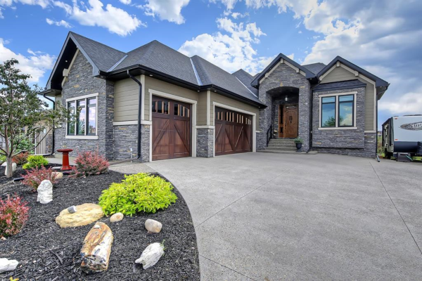 15 CIMARRON ESTATES Gate, Okotoks