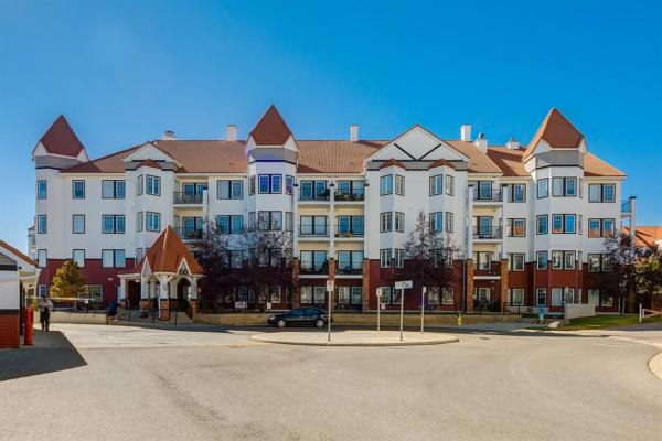 60 Royal Oak Plaza, Calgary
