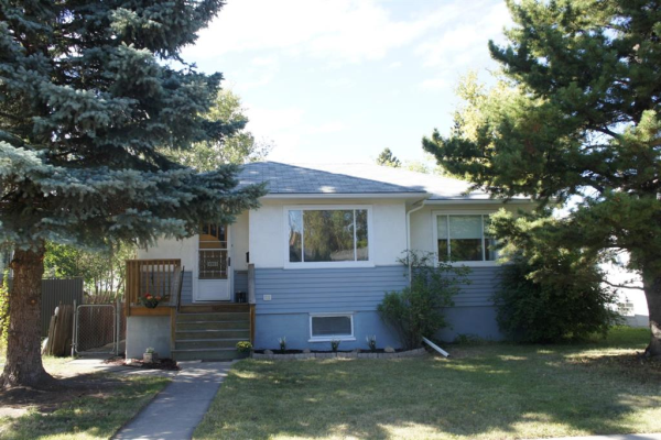 1913 Mountview Crescent NE, Calgary
