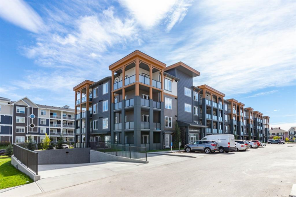 100 Auburn Meadows Manor SE, Calgary