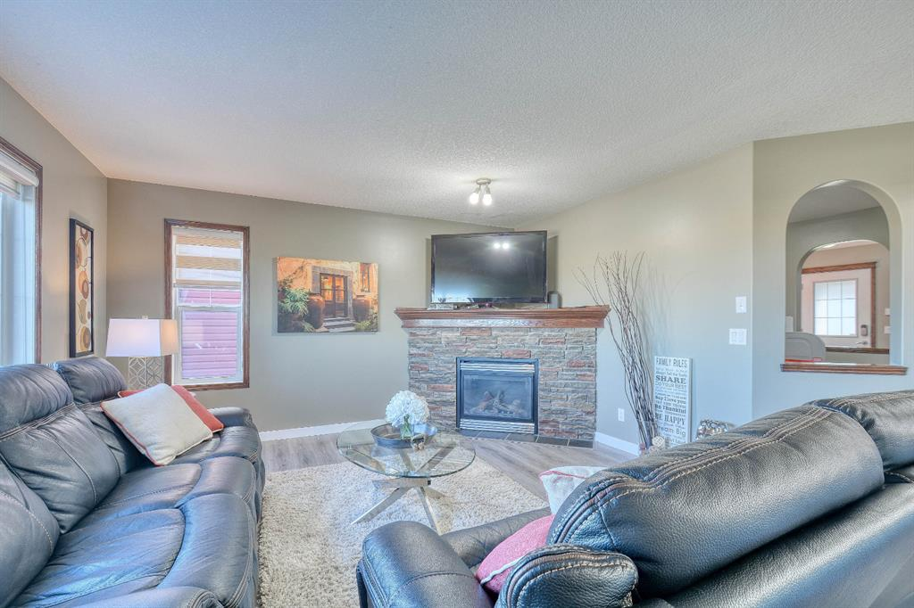 Listing A1030955 - Thumbmnail Photo # 7