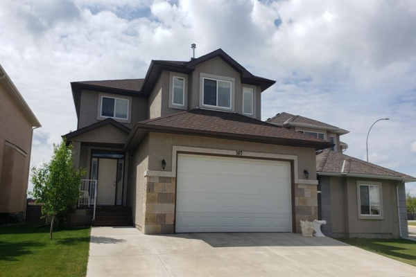 107 EAST LAKEVIEW COURT, Chestermere