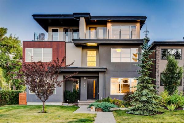 1703 49 Avenue SW, Calgary