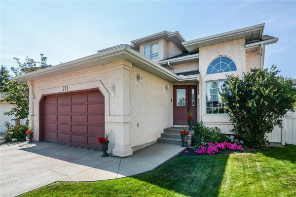 711 COUNTRY HILLS Court NW, Calgary