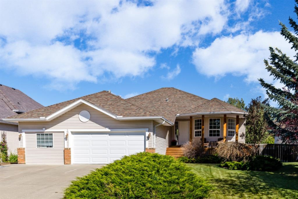 26 BOW MEADOWS Drive, Cochrane
