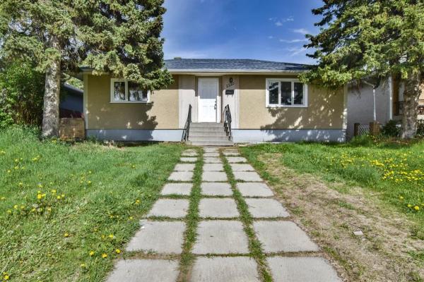 2220 40 Street, Calgary