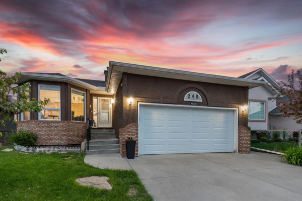 249 Lakeside Greens Crescent, Chestermere
