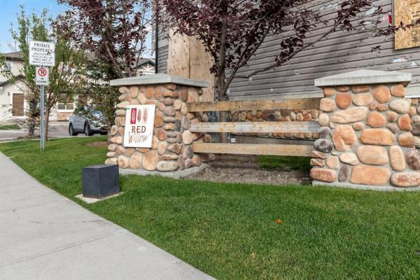 203 Saddlebrook Point NE, Calgary