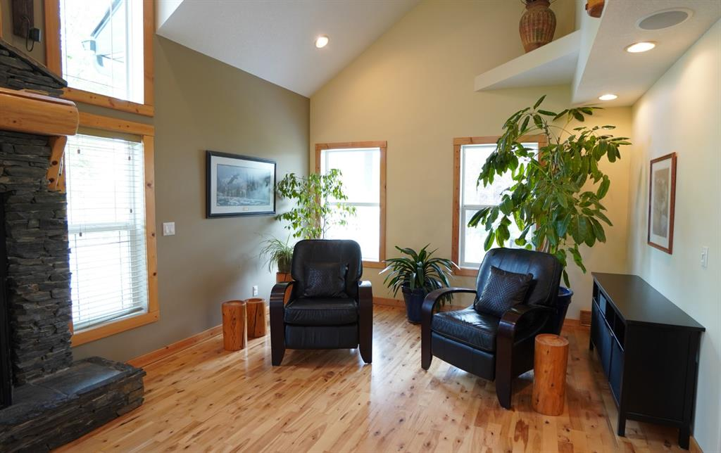 Listing A1034104 - Large Photo # 2