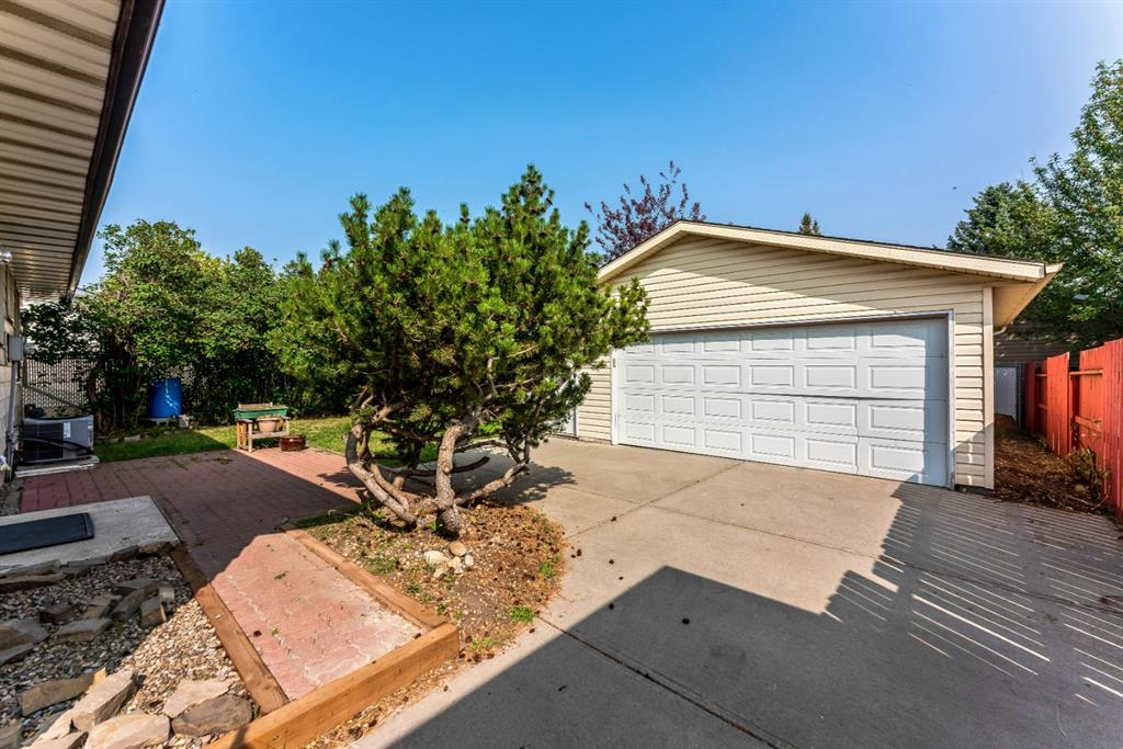 Listing A1035013 - Large Photo # 25