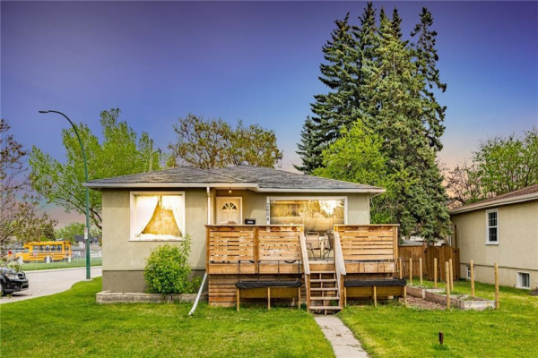 2604 24 Street SW, Calgary