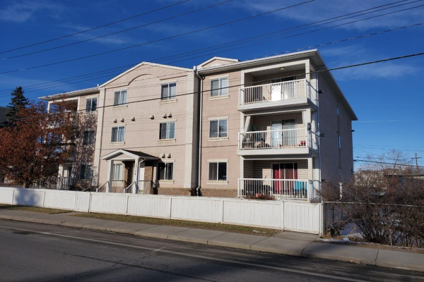 7724 BOWNESS Road NW, Calgary