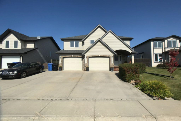 324 Carriage Lane Drive, Carstairs