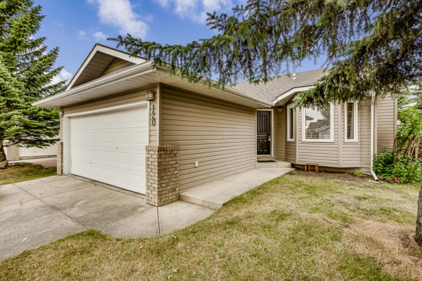 120 Maple Way SE, Airdrie