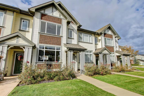 25 COPPERPOND Road SE, Calgary
