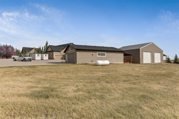 386108 8 Street E, Rural Foothills County