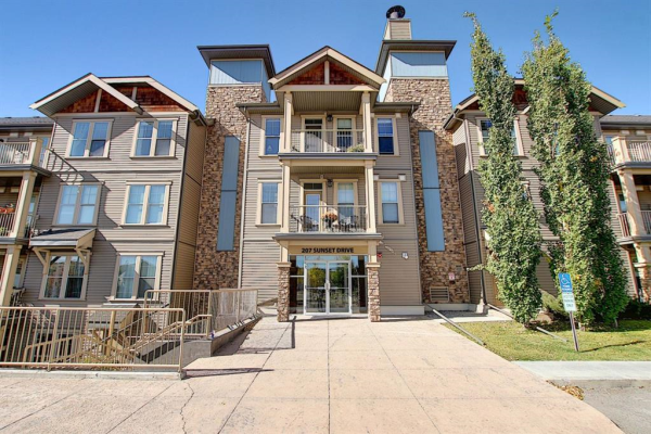 207 Sunset Drive, Cochrane
