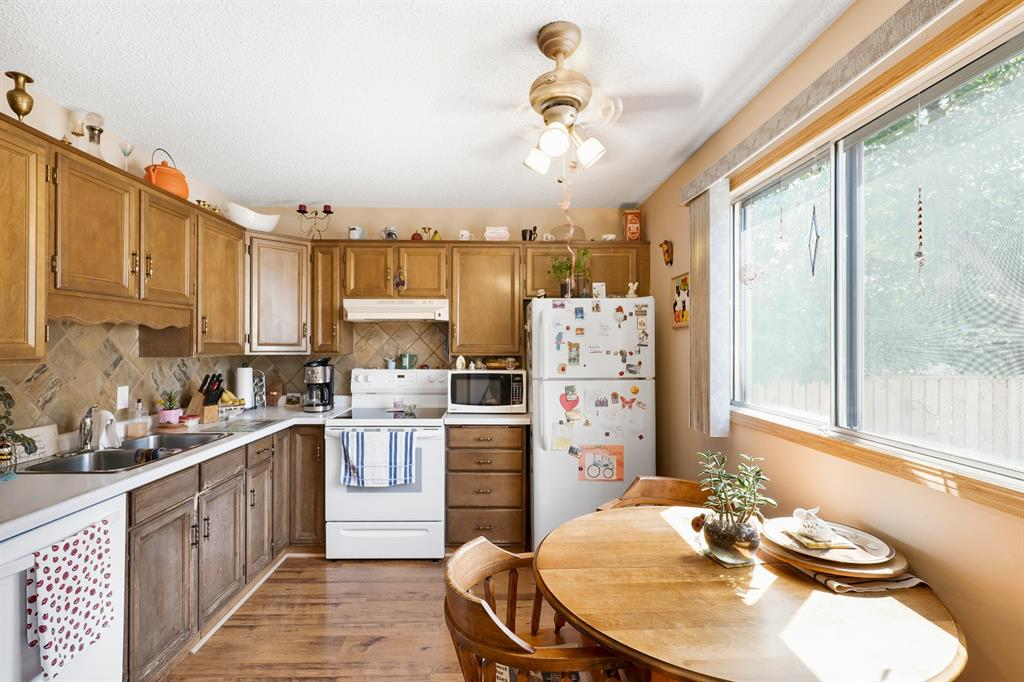 Listing A1040533 - Large Photo # 11