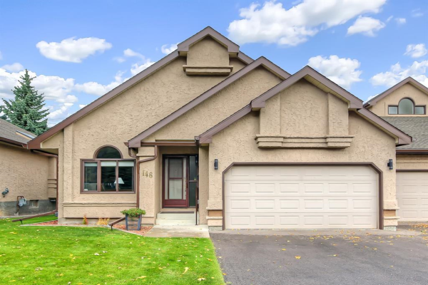 146 Oakbriar Close SW, Calgary