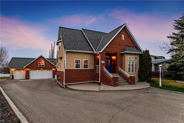 809 EAST LAKEVIEW Road, Chestermere