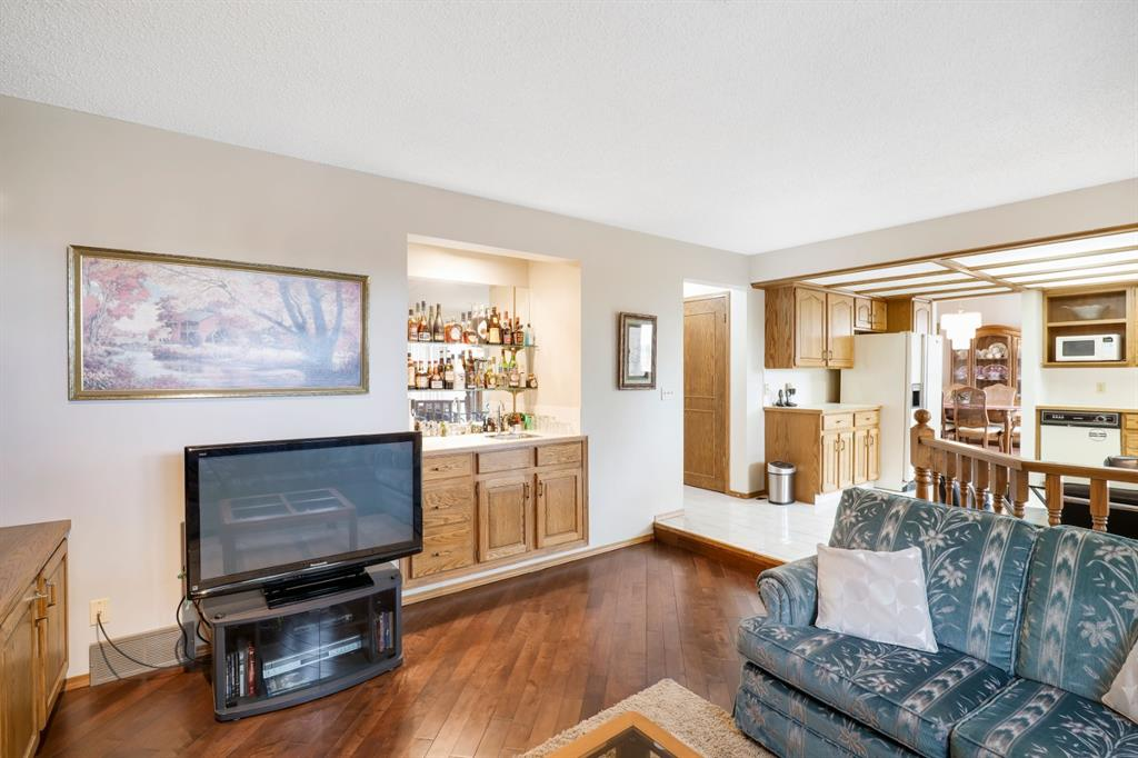 Listing A1041819 - Large Photo # 23