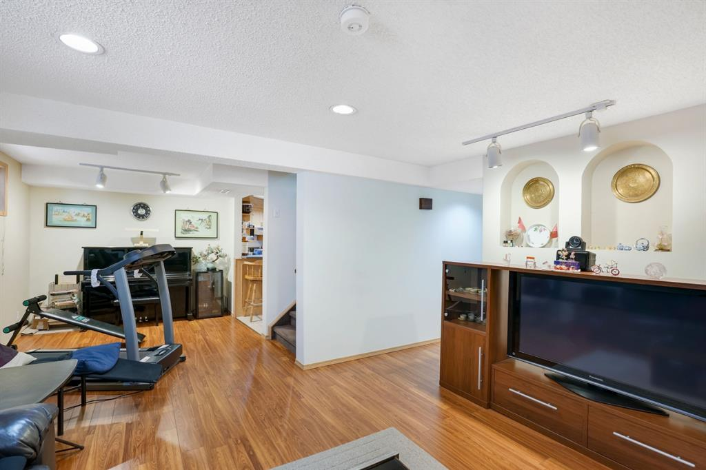 Listing A1041819 - Large Photo # 37