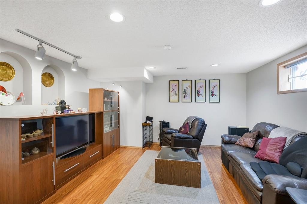 Listing A1041819 - Large Photo # 36