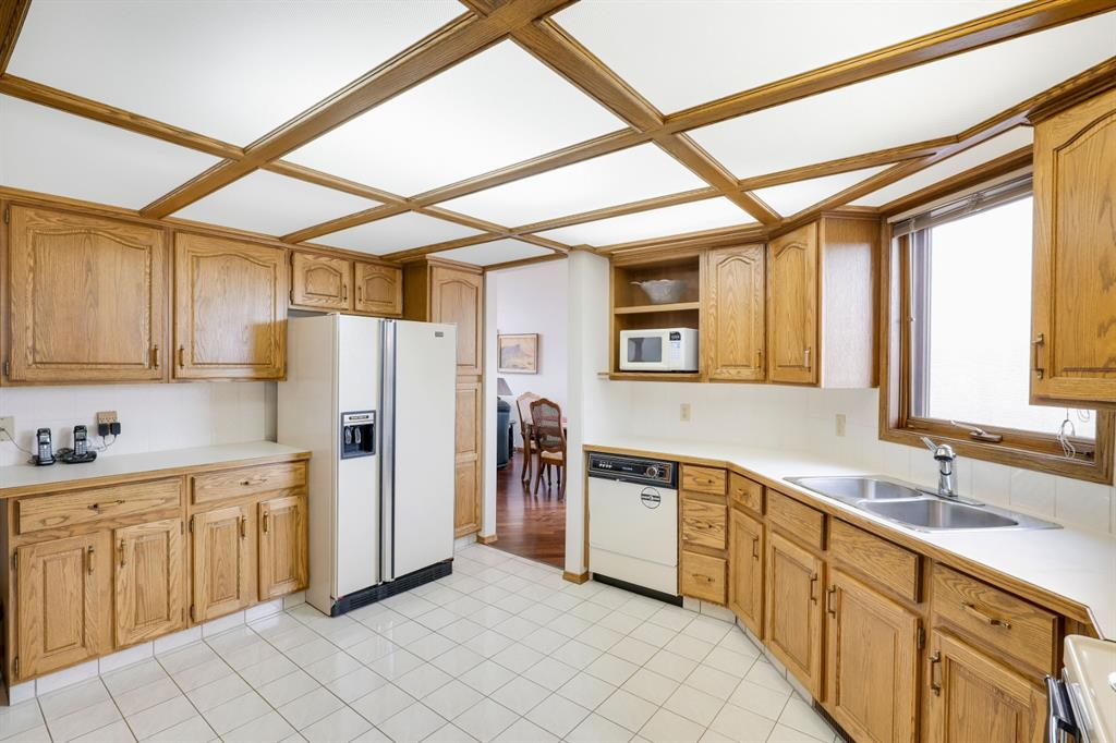 Listing A1041819 - Large Photo # 11