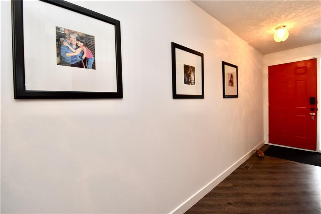 Listing A1042317 - Large Photo # 34