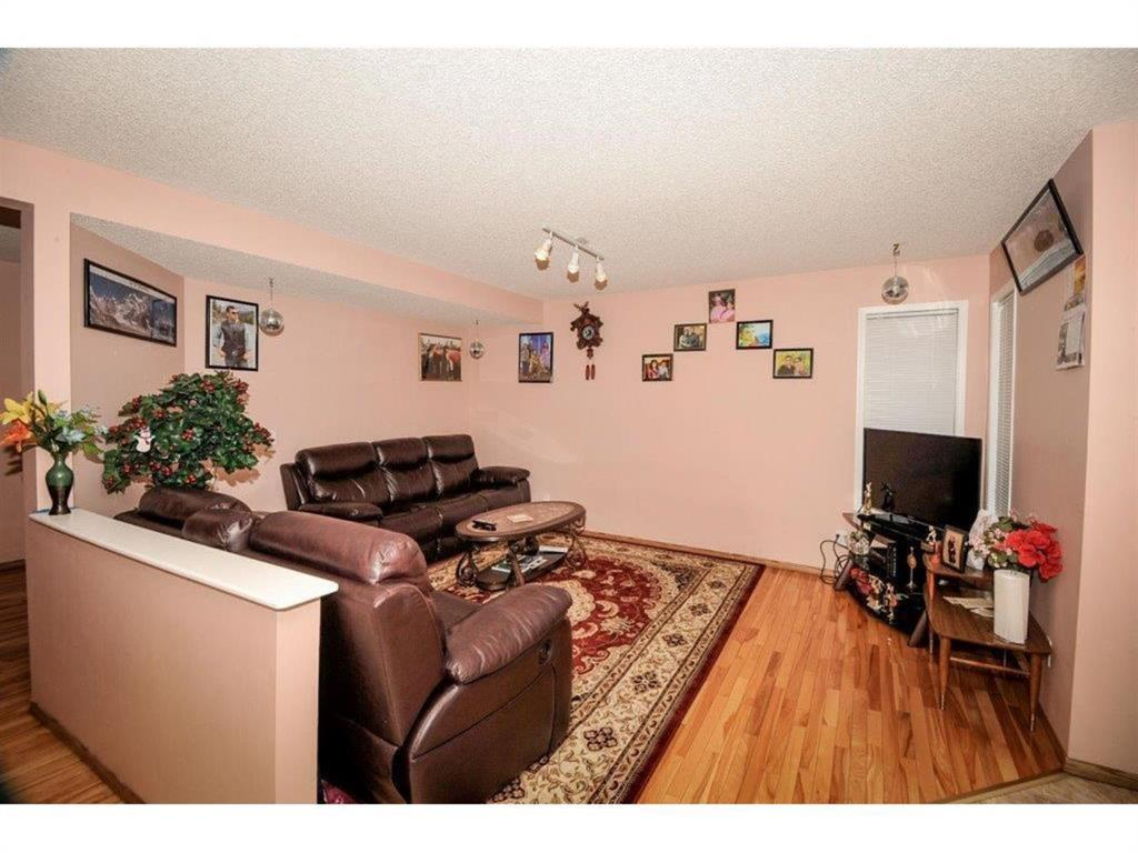 Listing A1042382 - Thumbmnail Photo # 4