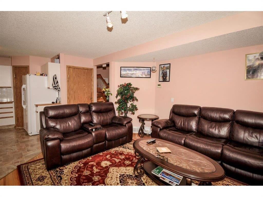 Listing A1042382 - Thumbmnail Photo # 3
