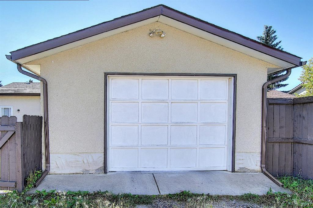 Listing A1042784 - Large Photo # 37